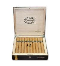 Lot 112 - Romeo y Julieta Churchill Reserva