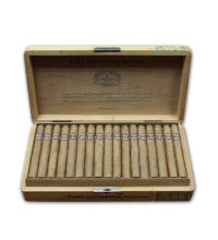 Lot 122 - Romeo y Julieta Petit Coronations Deluxe