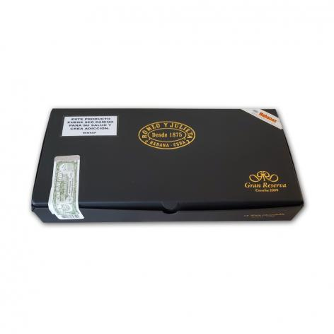 Lot 223 - Romeo y Julieta Wide Churchills Gran Reserva