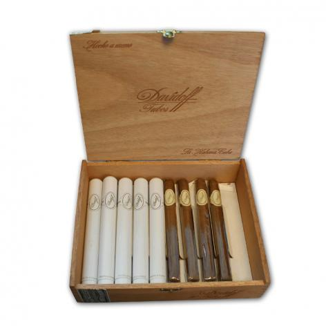 Lot 384 - Davidoff Mixed Singles